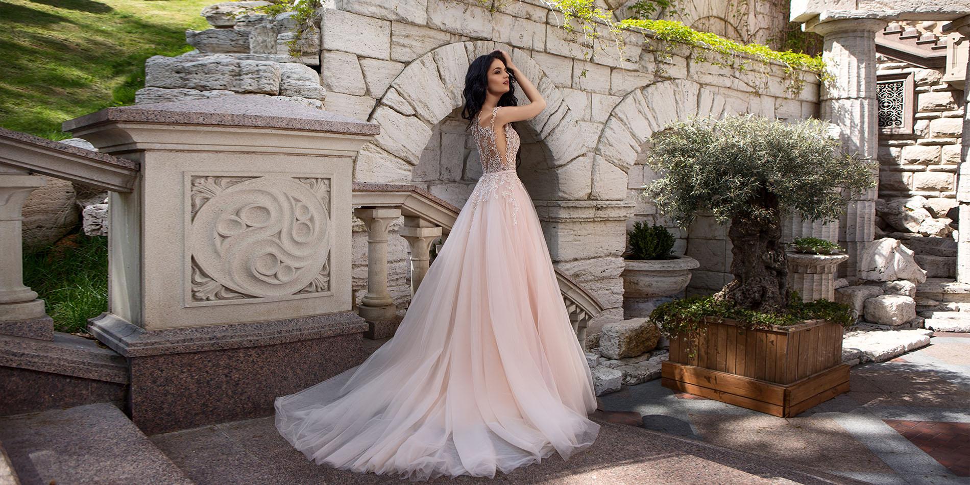 c54b060dfd suknia-23349008.jpg. źródło  madonna.pl