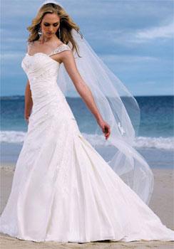 64f8bad24f9895 Kolory sukni ślubnych – biała czy...inna? - poradnik