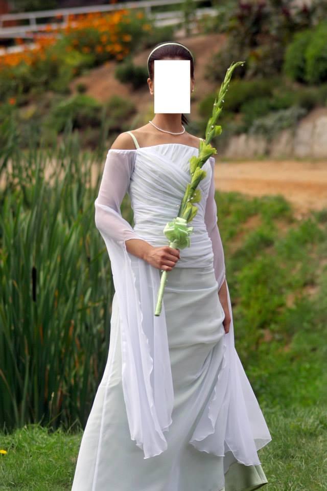 27ca03ba12 Suknia ślubna Biało-zielona suknia ślubna. Rozmiar 36. kolor  Biało-zielona