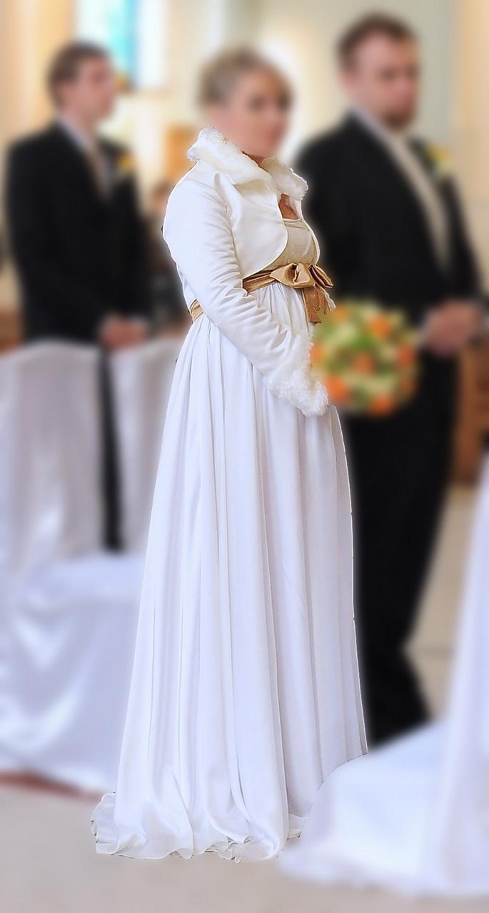 Delikatna Ciążowa Suknia ślubna Otwock Mazowieckie Suknie