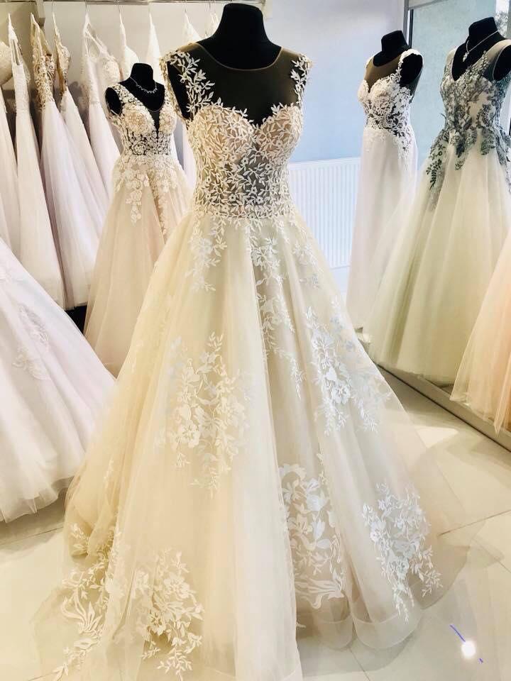 0d09f311c4 Suknia ślubna sprzedam suknie Melory NOWA! kolor  IVORY rozmiar  36 38