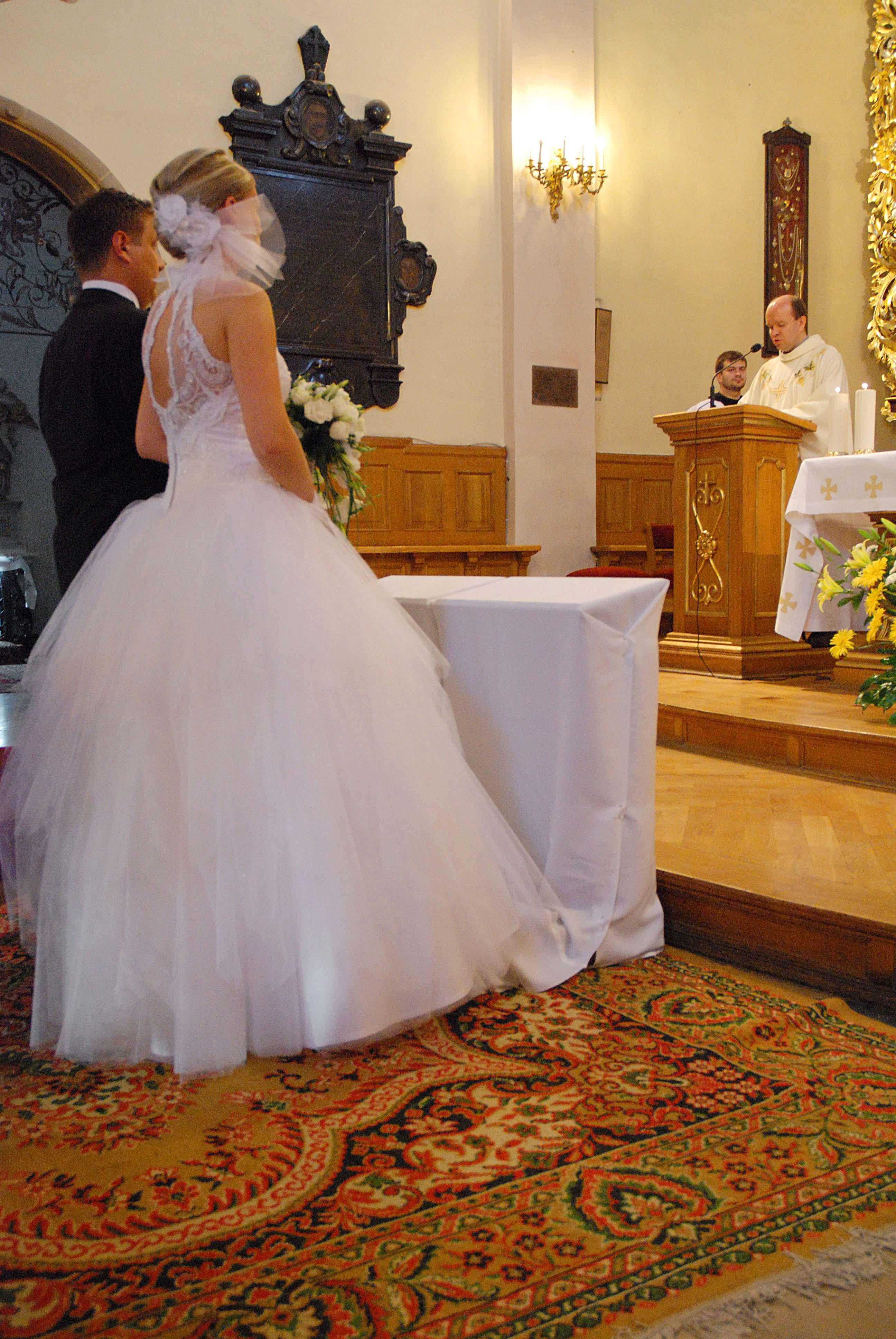 82a400a2cf Suknia ślubna sprzedam suknię ślubną kolor  biały rozmiar  m L