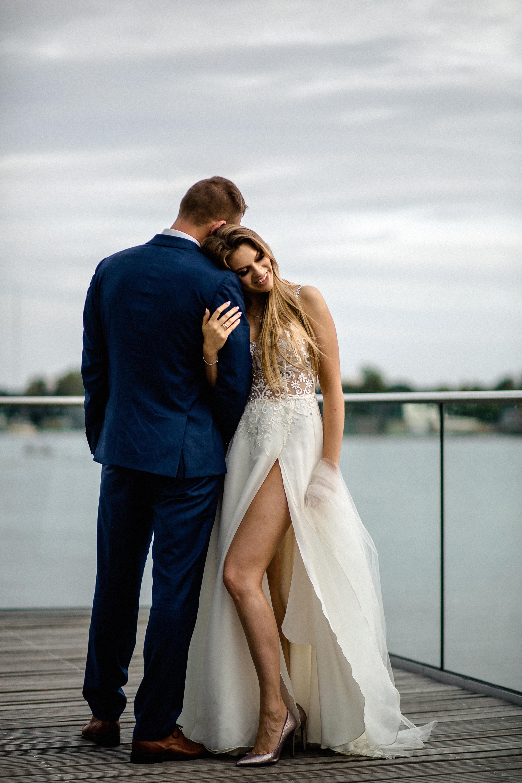 74be5a855f Suknia ślubna suknia ślubna z cyrkoniami swarovskiego kolor  ivory rozmiar   36