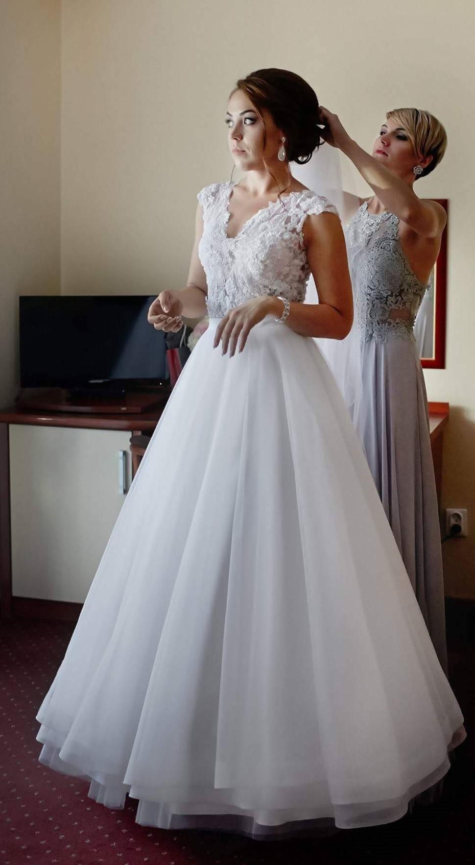 67e9b10cb8 Twoja wymarzona suknia ślubna