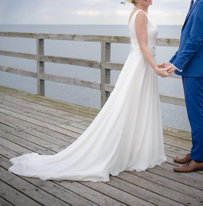 2dc9e71d46 Suknia ślubna Zjawiskowa suknia ślubna rozmiar 36 kolor  śmietankowa biel  rozmiar  duże 36